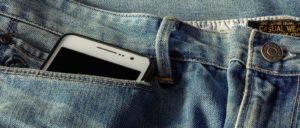Smartphone Hose Symbolbild